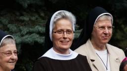 Przełożona prowincjalna, siostra Magdalena, w towarzystwie sióstr - Radnych Generalnych